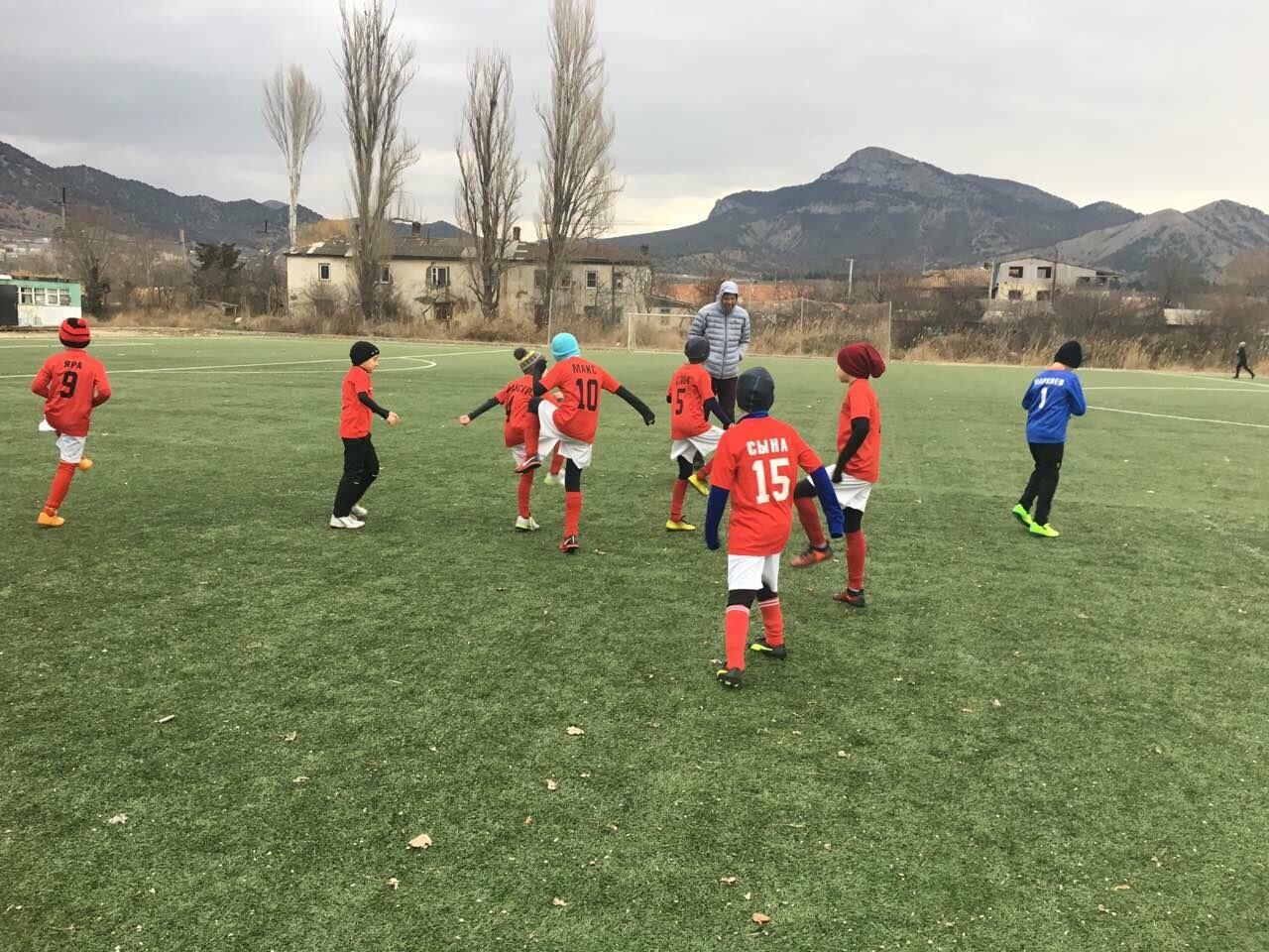 Юные футболисты из Ялты успешно выступили на турнире в Судаке, фото-1