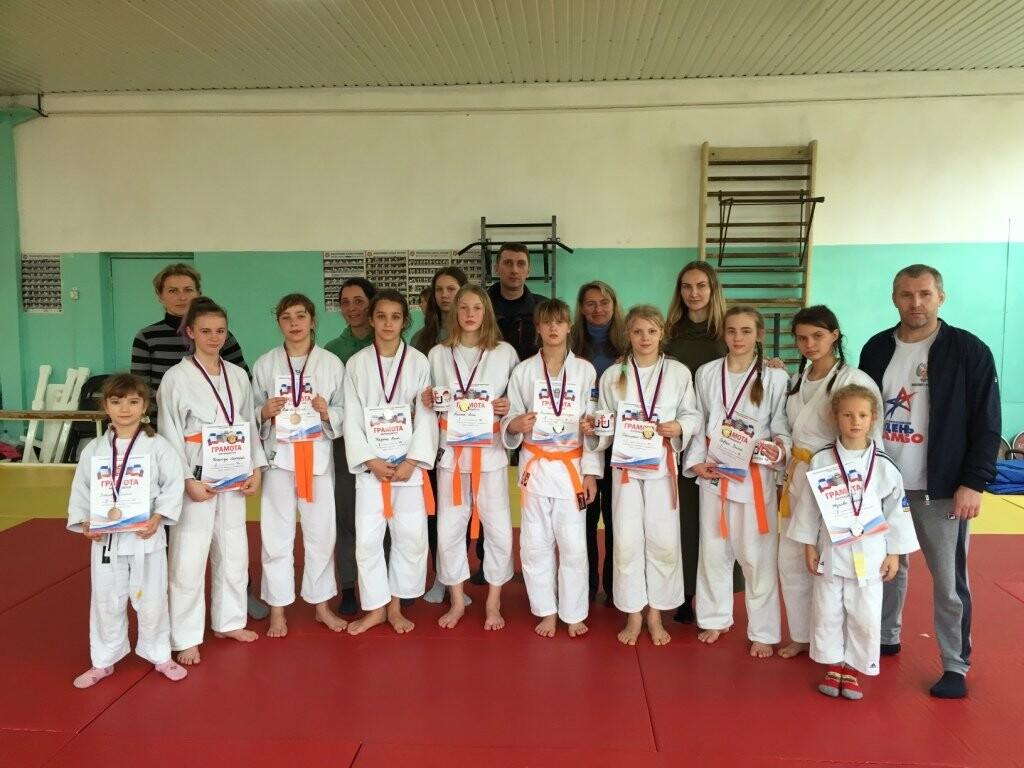 Спортсменки из Ялты блестяще выступили на турнире «Мисс Дзюдо» в Симферополе, фото-1