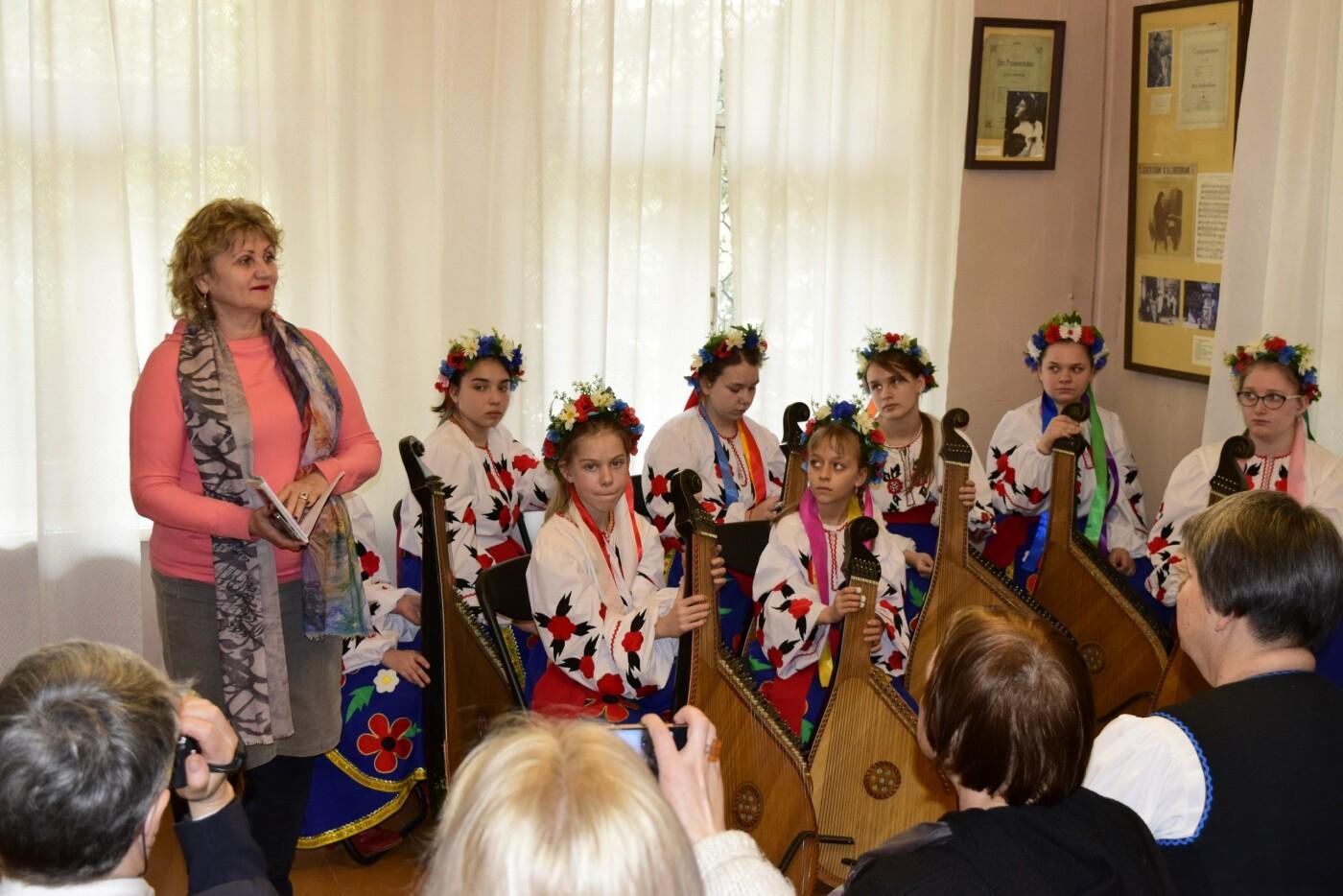 В Ялте провели праздник ко Дню Рождения Тараса Шевченко, фото-1