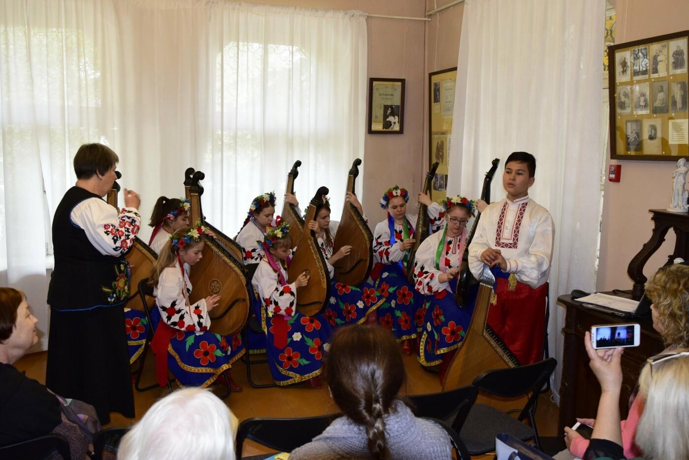 В Ялте провели праздник ко Дню Рождения Тараса Шевченко, фото-3