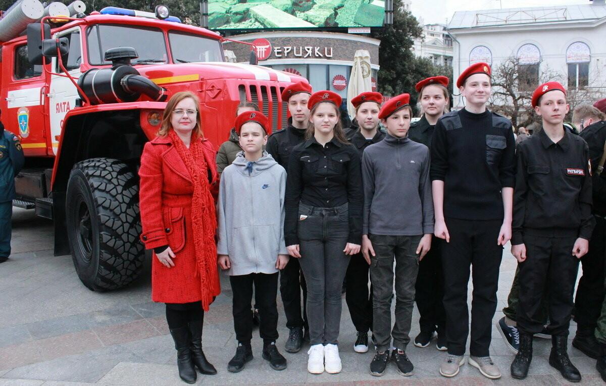 В Ялте 200 школьников прошли посвящение в юнармейцы , фото-1