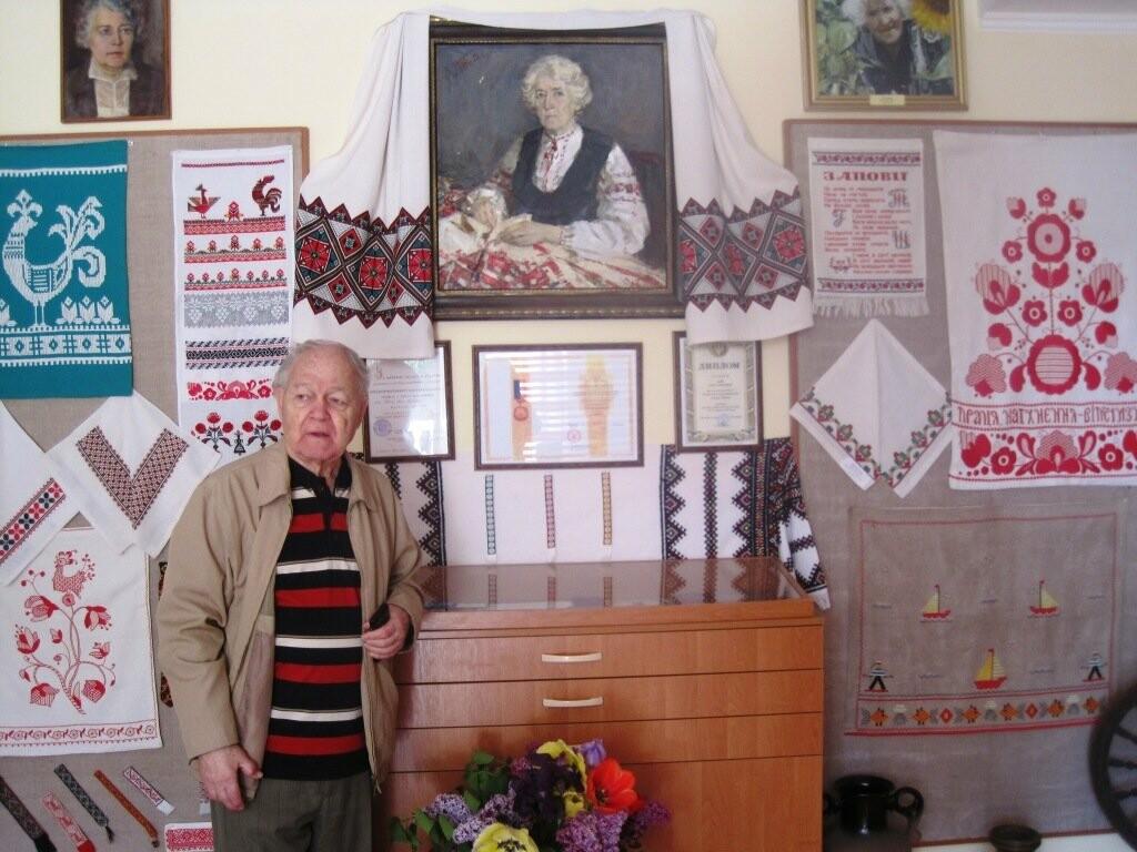 В Гурзуфе открыли мемориальную комнату-библиотеку Веры Роик, фото-1