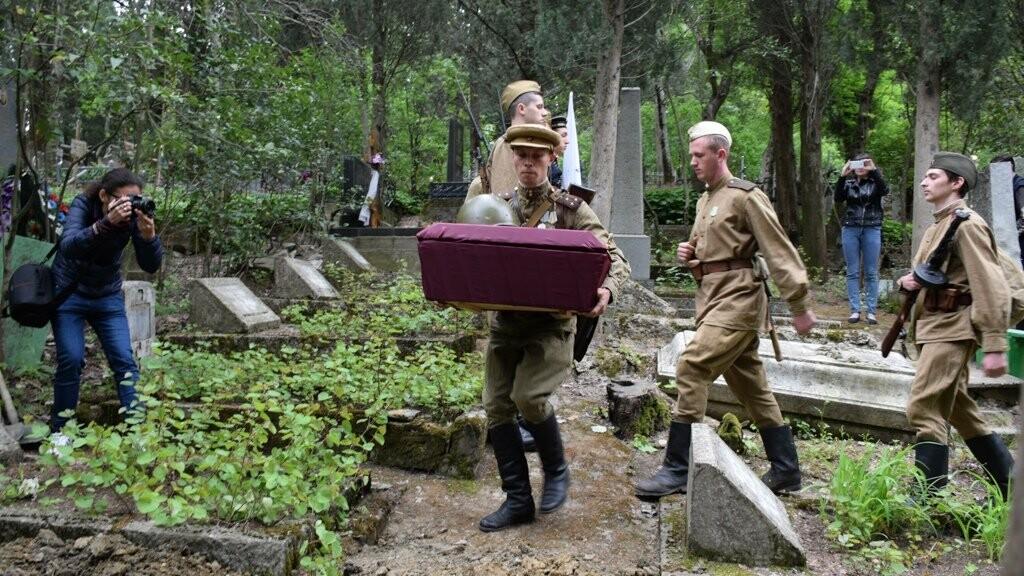 В Ялте перезахоронили останки воинов, погибших в районе плато Ай-Петри в годы войны, фото-1