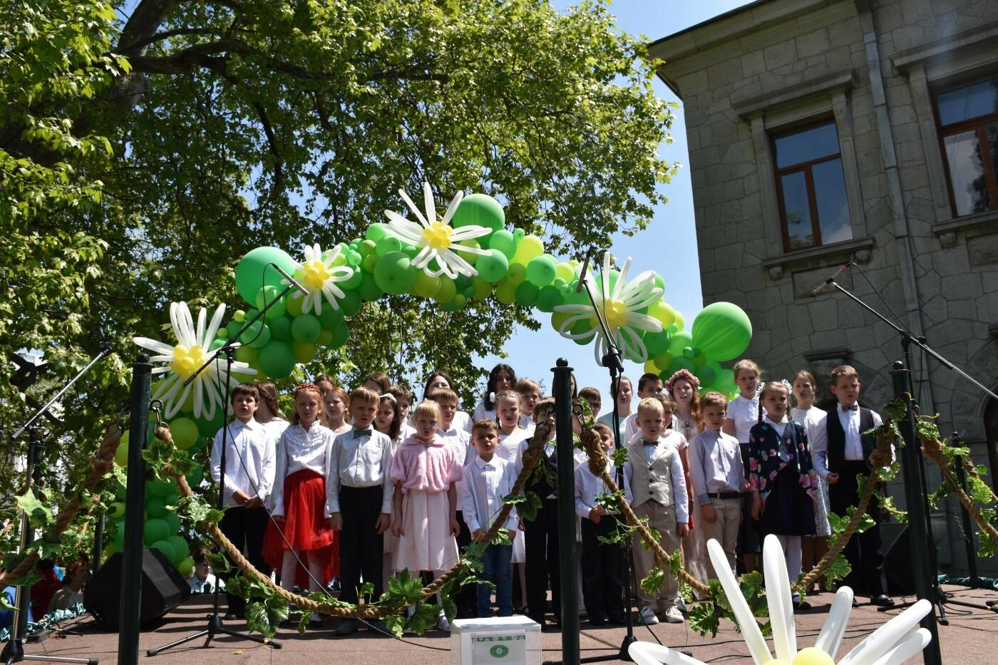 В Ливадии в 14 раз прошла благотворительная ярмарка «Белый цветок», фото-3