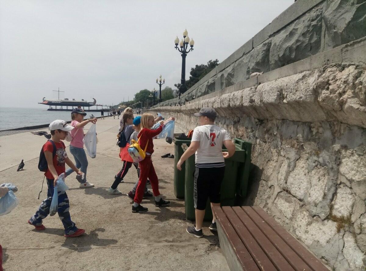 В Ялте провели экоакцию «Чистый берег», фото-3