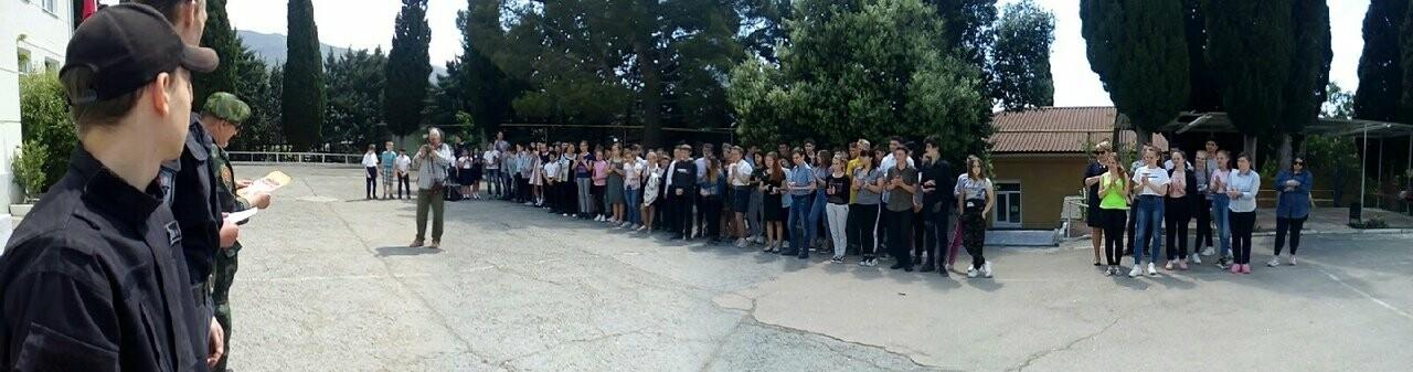 Школьники Ялты почтили память Д.М.Гребенкина, фото-3