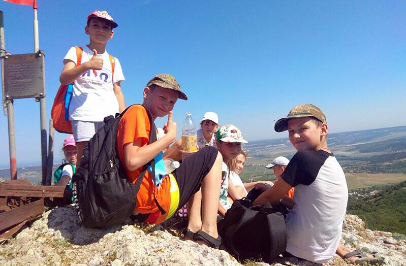 В Ялте завершил работу летний лагерь для юных мастеров настольного тенниса, фото-3