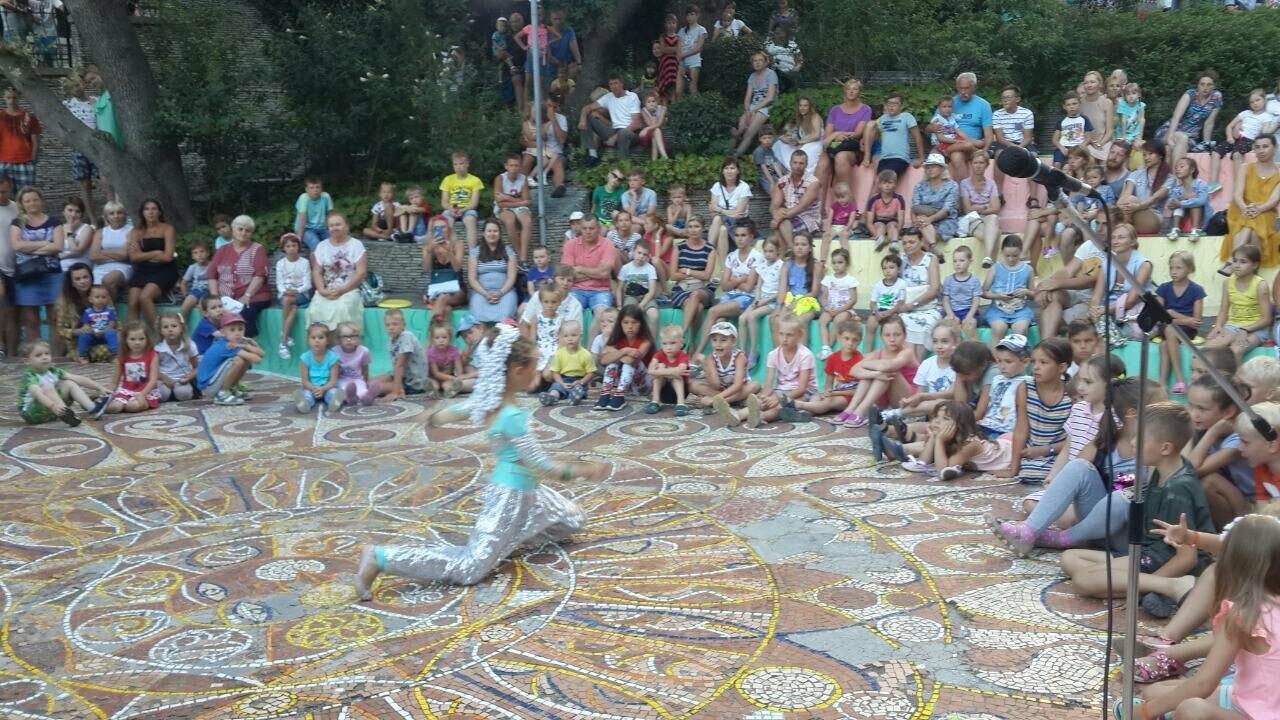 Сеть санаториев «Курорты Крыма» провела ряд праздничных программ в День семьи, фото-1