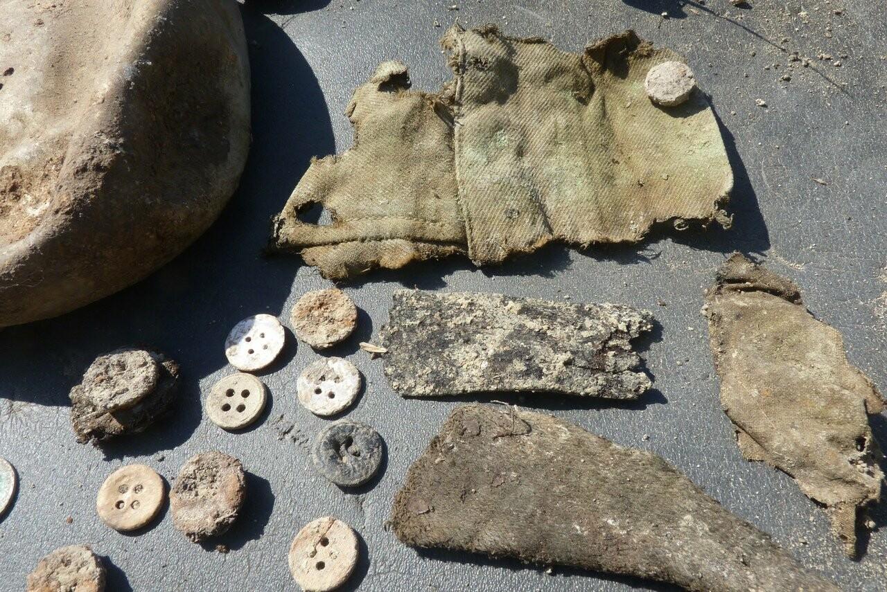 Поисковики из Ялты подняли останки 5-ти защитников Севастополя, фото-3