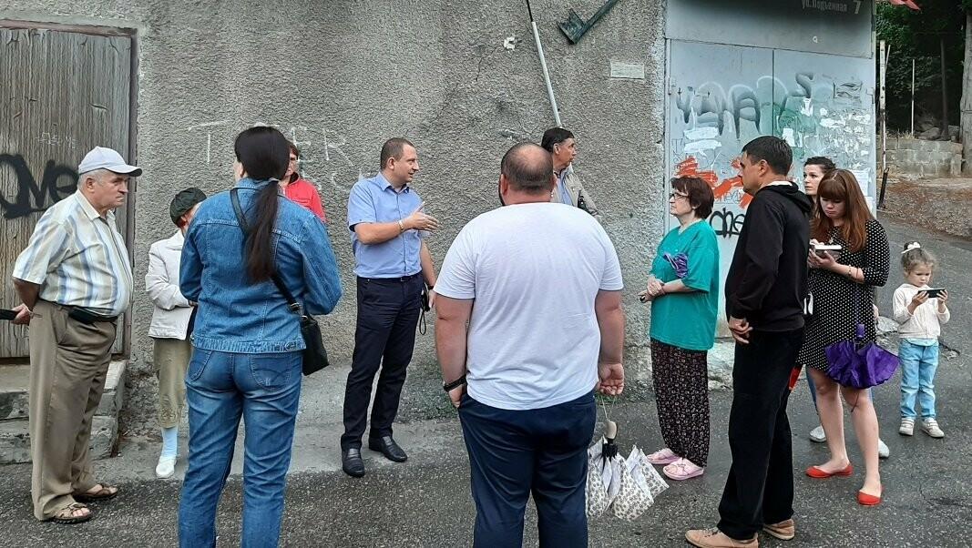 Жители улицы Подъёмная в Ялте жалуются на состояние дорог и лестниц, фото-1