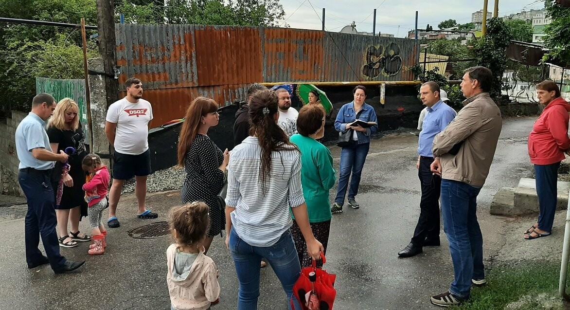 Жители улицы Подъёмная в Ялте жалуются на состояние дорог и лестниц, фото-2