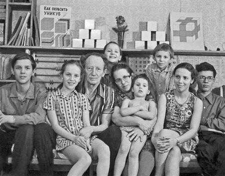 """На """"Маленькой ферме"""" пройдет мастер-класс по """"Играм Никитиных"""" от внучки авторов, фото-1"""