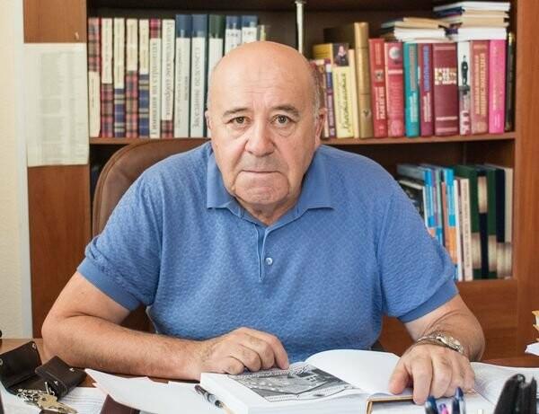 В Ялте ушел из жизни прославленный педагог и писатель Петр Павленко: время и место прощания, фото-1