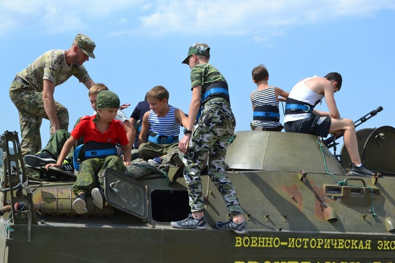 Воспитанники ДОСААФ России из Ялты отметили День Военно-морского флота полевыми сборами, фото-3