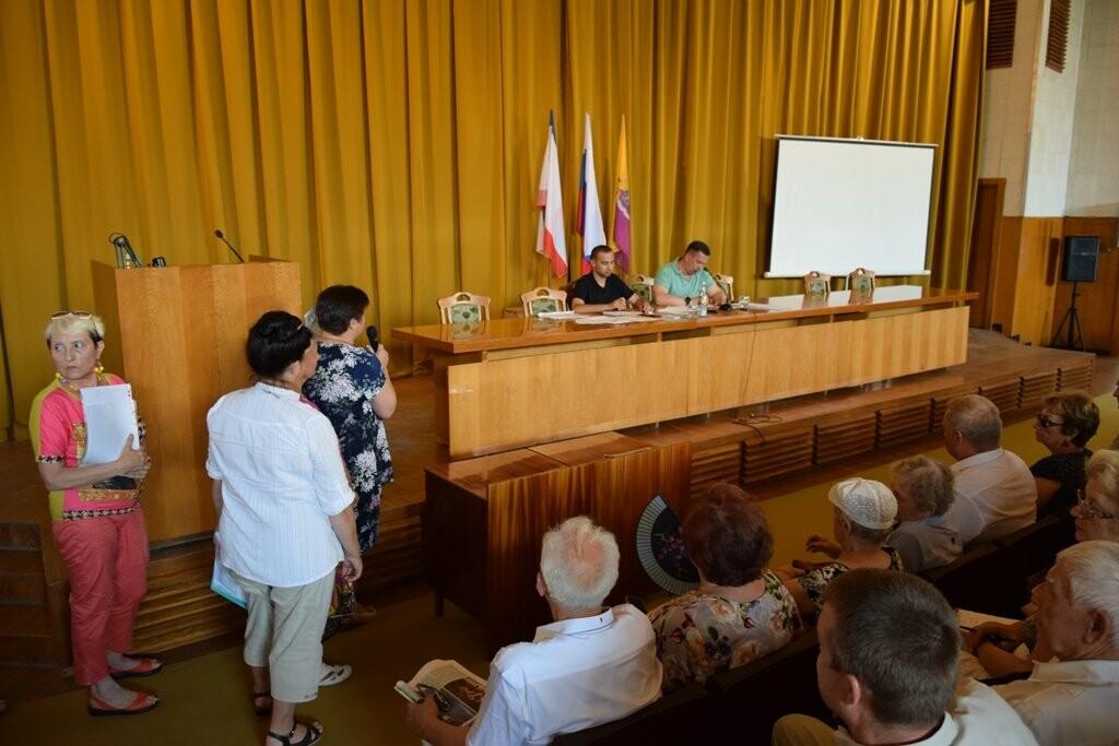 Глава Ялты обсудил с горожанами ЖКХ, транспорт и расселение из аварийного жилья, фото-1