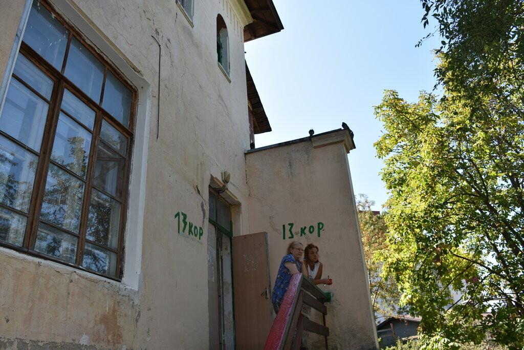 Бессмертные бараки в историческом центре Ялты: не живем, а выживаем , фото-4