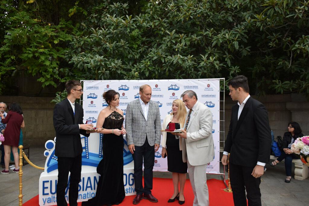 Глава администрации Ялты вручил приз зрительских симпатий на фестивале «Евразийский мост», фото-9