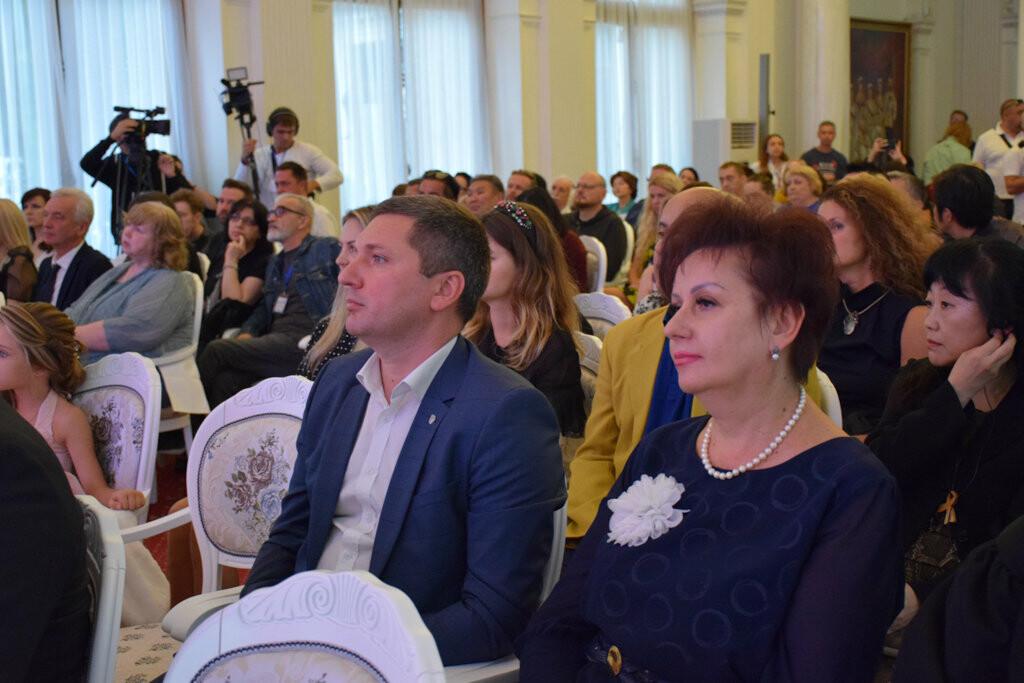 Глава администрации Ялты вручил приз зрительских симпатий на фестивале «Евразийский мост», фото-14