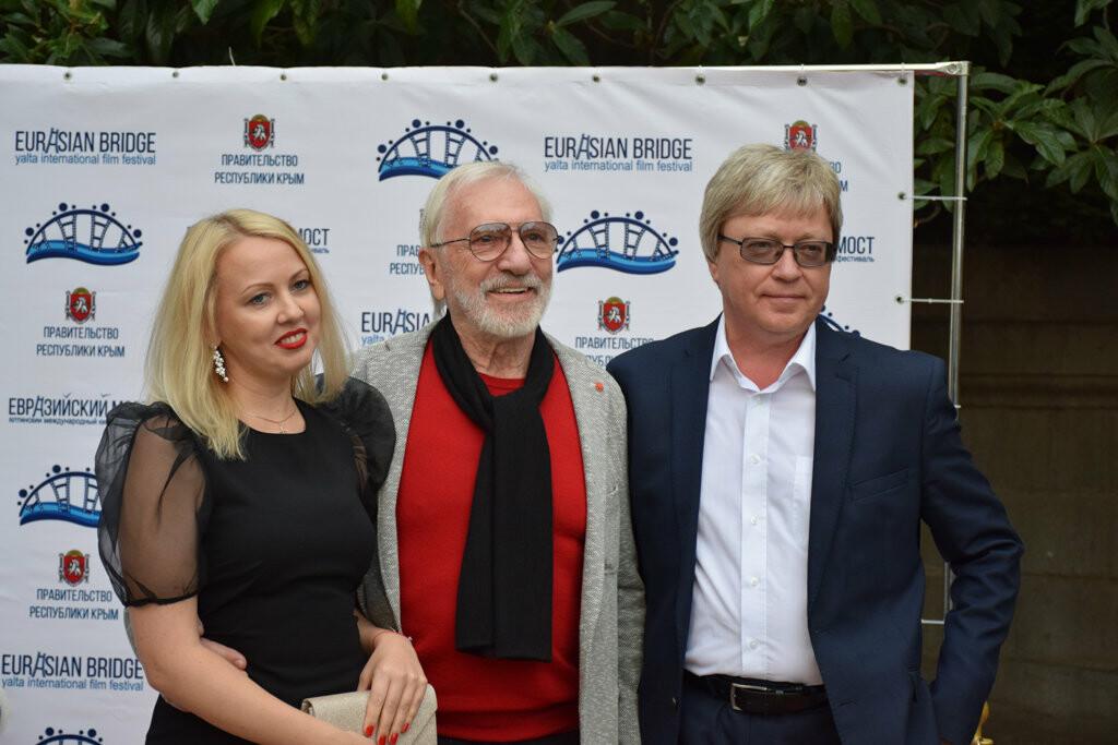 Глава администрации Ялты вручил приз зрительских симпатий на фестивале «Евразийский мост», фото-8