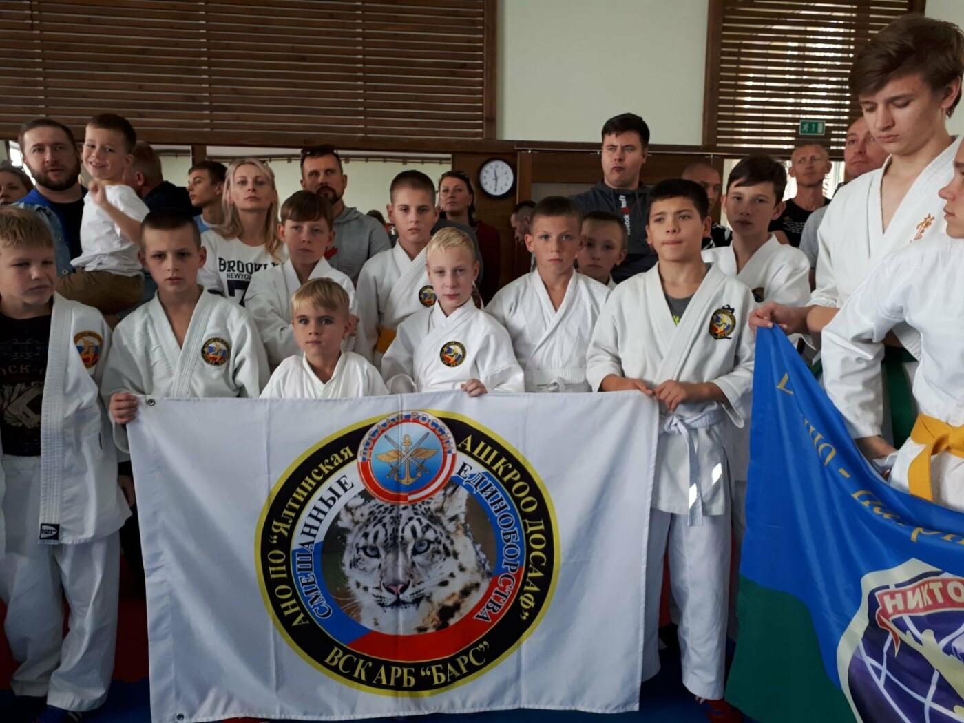 Юные бойцы из Ялты завоевали 2 золотых, 3 серебряных и бронзовую медали состязаний по АРБ, фото-1