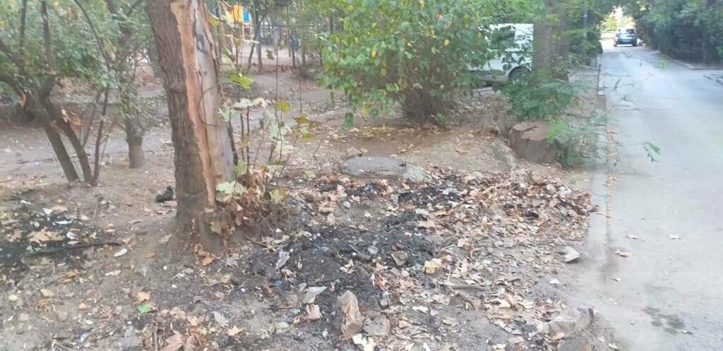Фотофакт: в Ялте на улице Московской утилизировали сгоревший автомобиль, фото-3