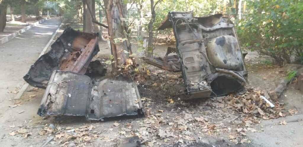 Фотофакт: в Ялте на улице Московской утилизировали сгоревший автомобиль, фото-2
