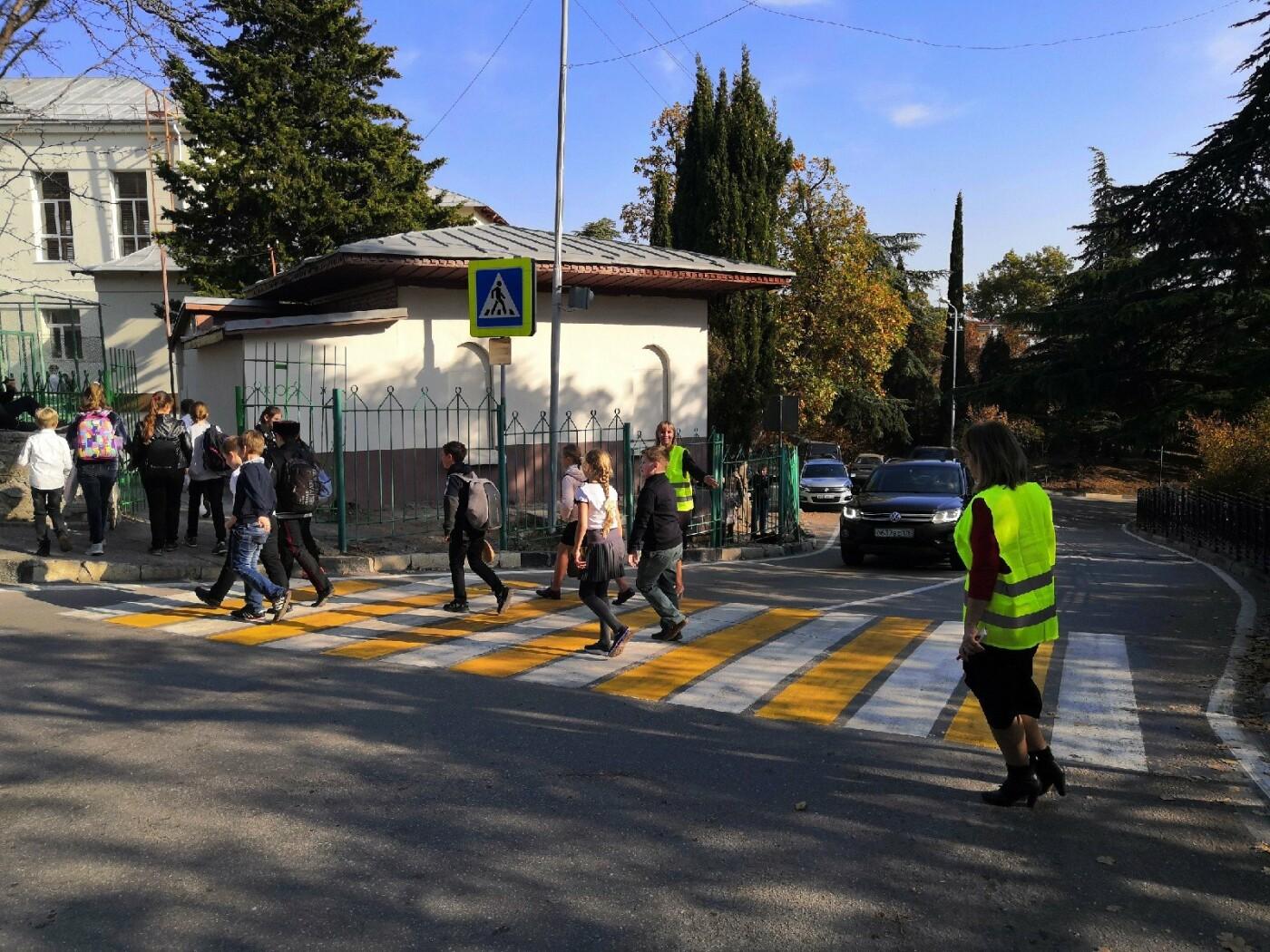 В помощь ГИБДД: «Родительский патруль» в Ялте проконтролировал почти 7,5 тыс. школьников, фото-3