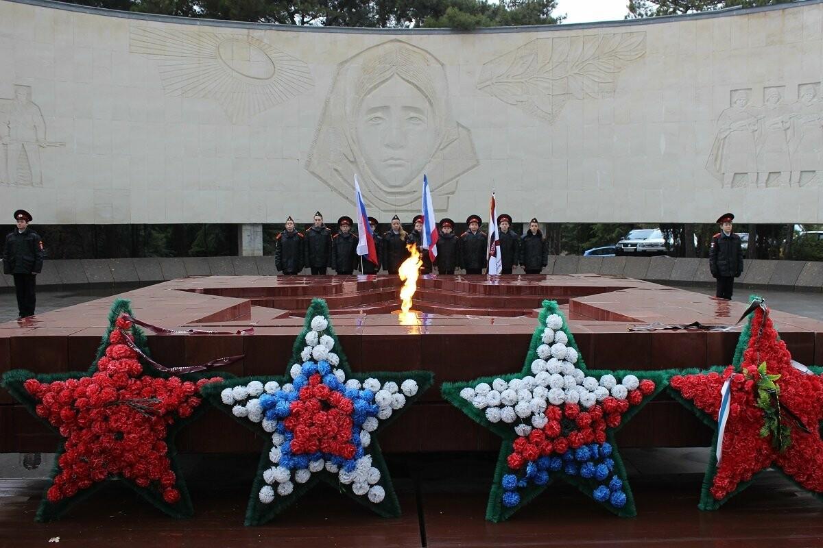 Ялта отметила День Неизвестного Солдата, фото-2