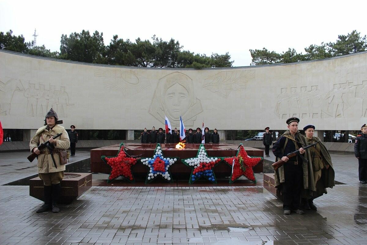 Ялта отметила День Неизвестного Солдата, фото-6