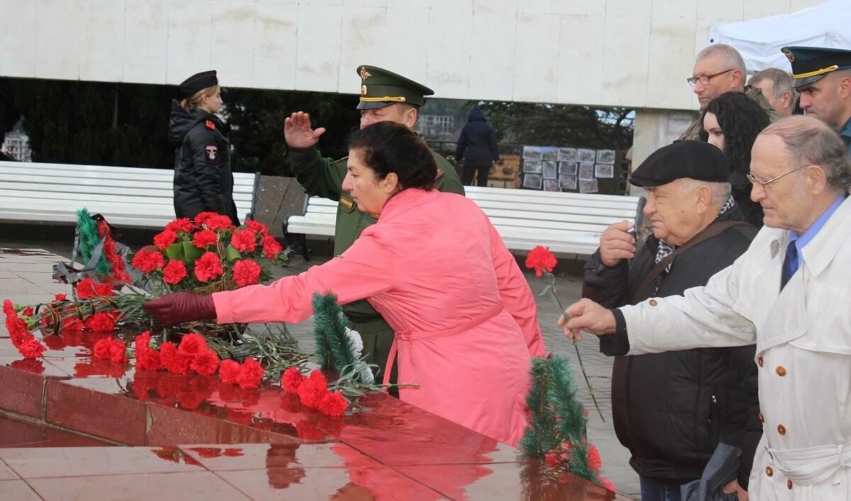 Ялта отметила День Неизвестного Солдата, фото-4