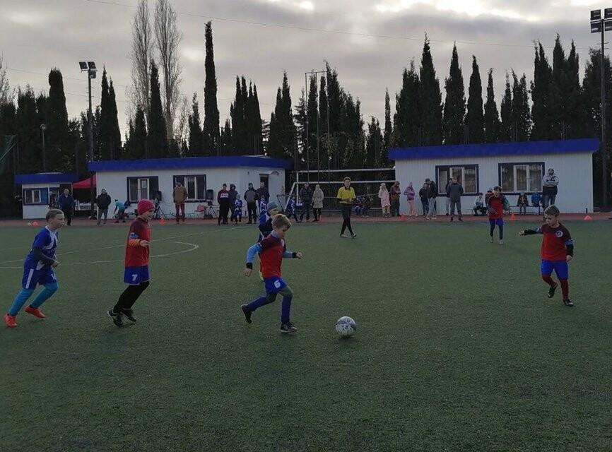 В Ялте воспитанники ГБУ РК «Спортивная школа № 6» отметили Всемирный день футбола турниром, фото-2