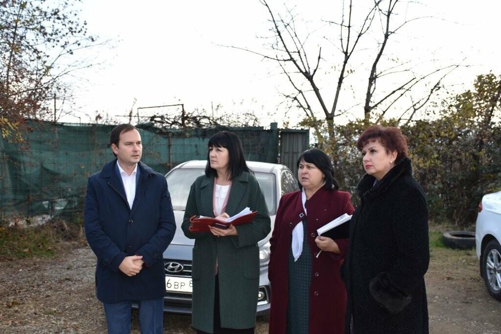 Школы Ялты посетила Валентина Лаврик, министр образования, науки и молодежи РК, - подробности, фото-1