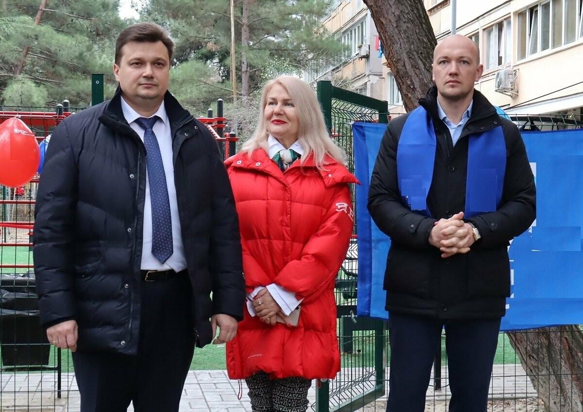 В Ялте на улице Мисхорской открыли новую спортивную площадку, фото-2
