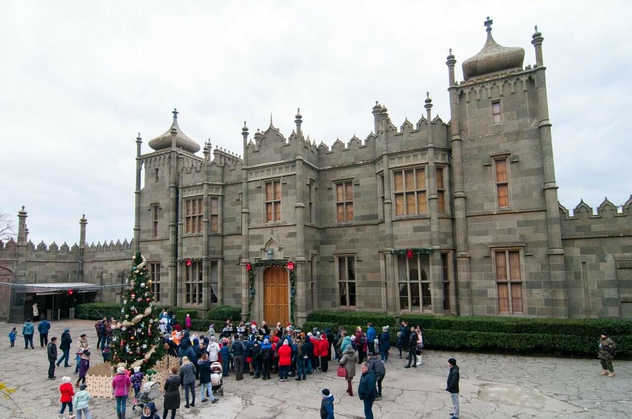 20 декабря пройдет открытие новогодней ёлки в Воронцовском дворце Алупки, фото-1