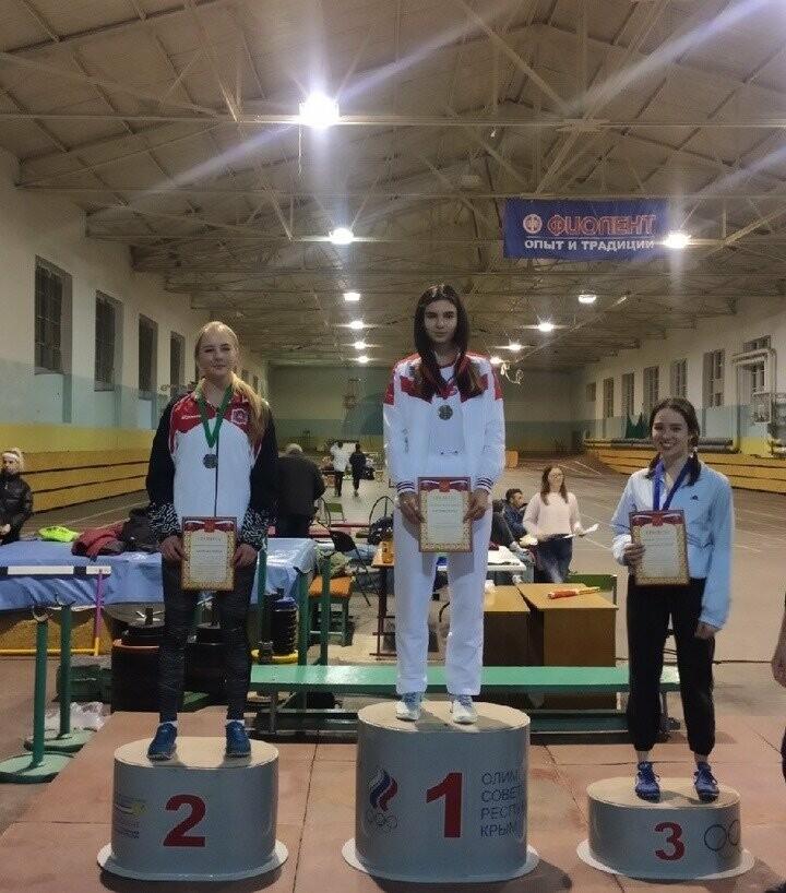 Ялтинские  легкоатлеты завоевали 17 медалей на Первенстве Крыма, фото-2