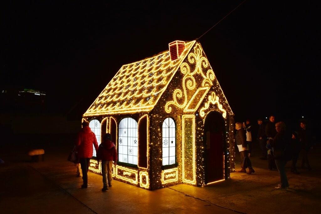 Новогодняя иллюминация будет появляться на улицах Ялты вплоть до 28 декабря, фото-3