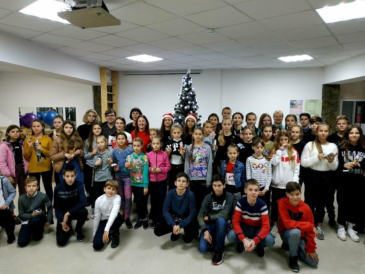 Юных легкоатлетов Ялты поздравили с Днем Святого Николая, фото-3