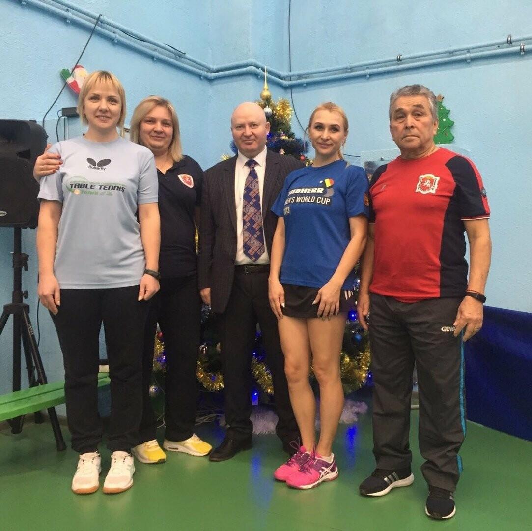 В Ялте прошел семейный турнир по настольному теннису, фото-1