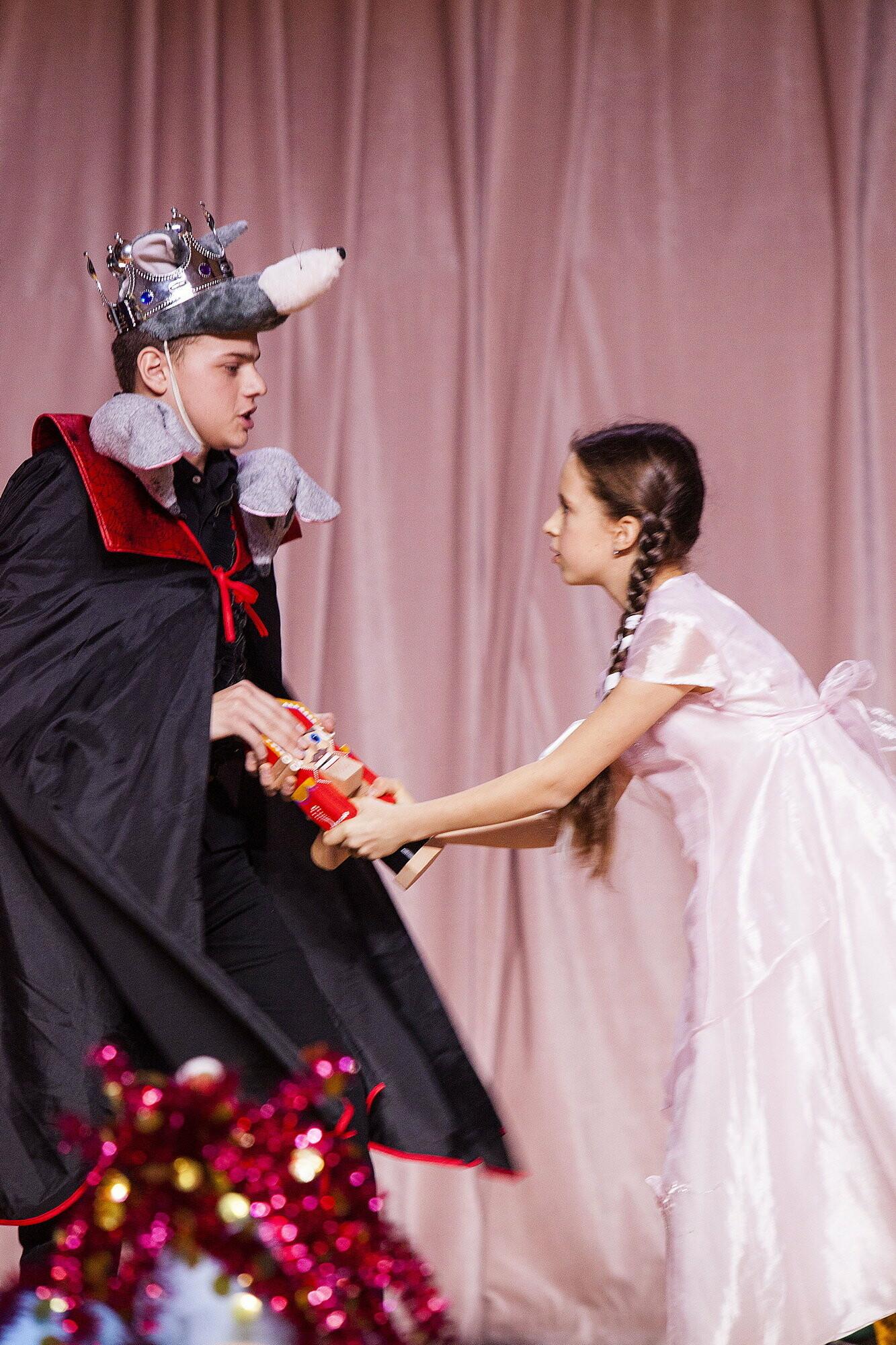 Настоящее волшебство: для учащихся Ялтинской школы №6 поставили сказку «Щелкунчик», фото-6