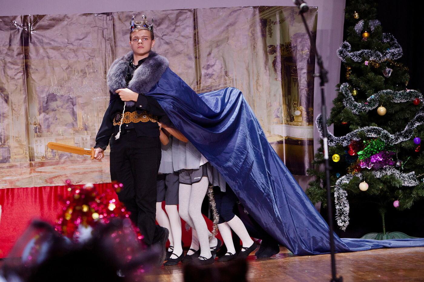 Настоящее волшебство: для учащихся Ялтинской школы №6 поставили сказку «Щелкунчик», фото-2