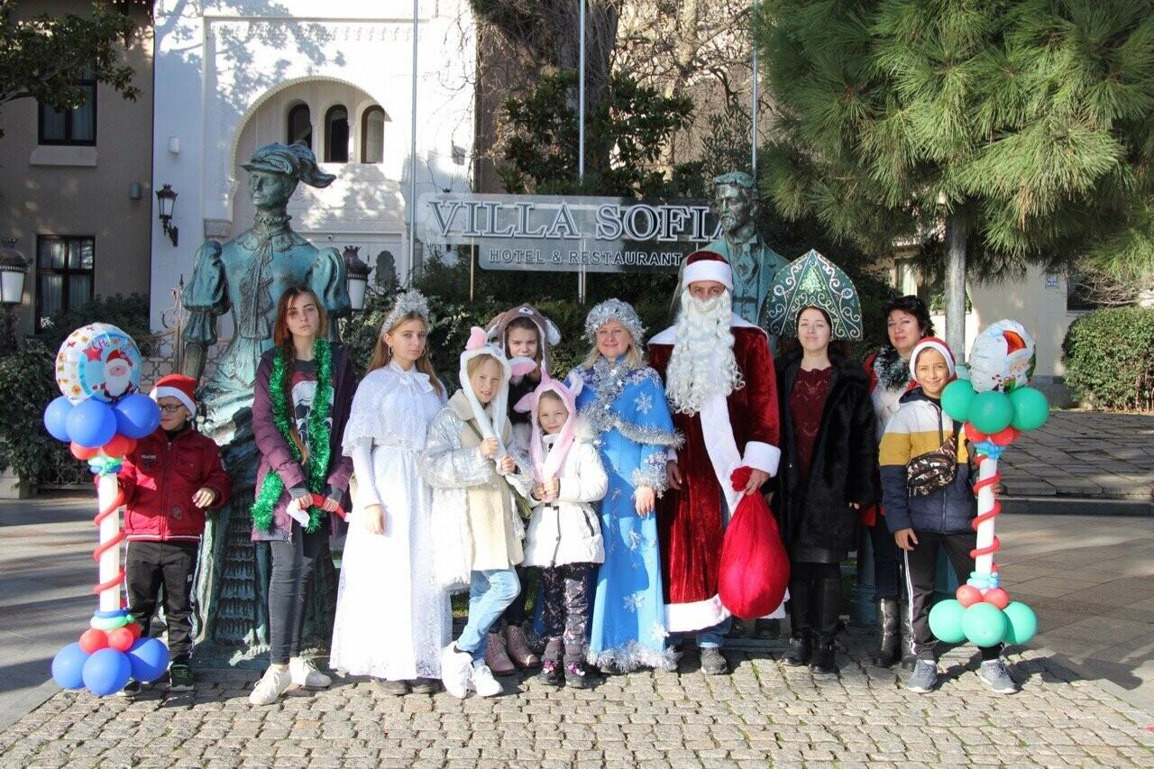 Юбилейный Мороз-парад в Ялте собрал почти тысячу участников, фото-4
