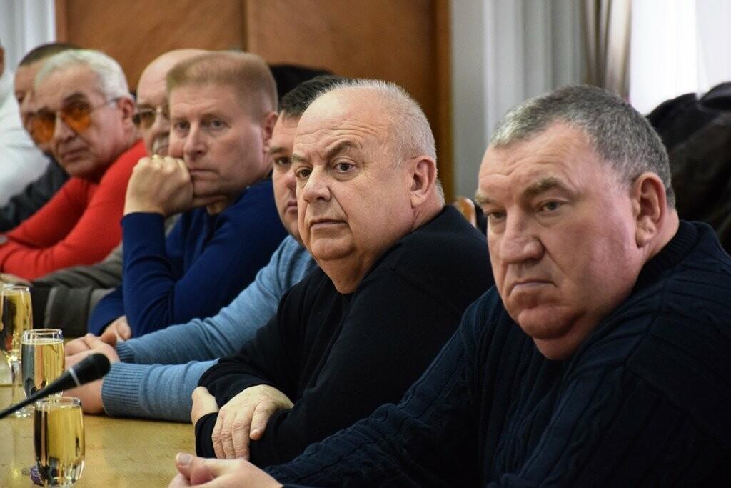 Глава Ялты поздравил сотрудников муниципальных предприятий с праздниками, фото-3