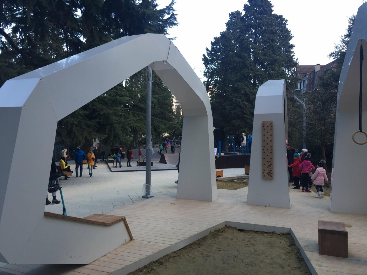 В Ялте официально открыли Пионерский парк после капитального ремонта: позже и с недоделками, фото-4
