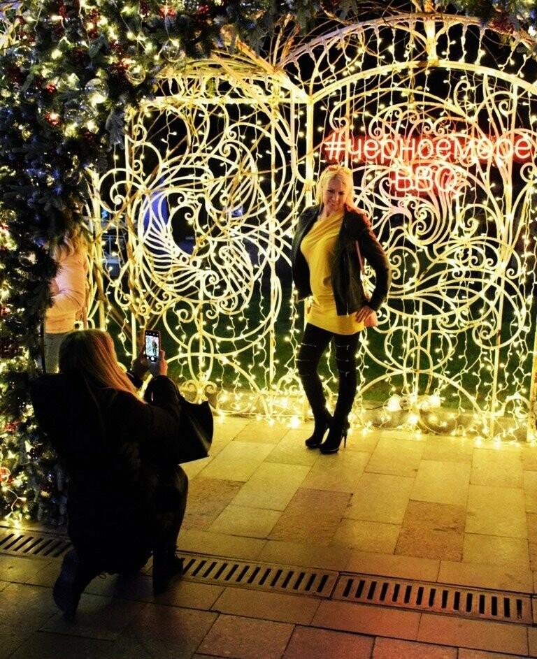 Рекордные 35 тысяч человек на Набережной: Ялта отметила Новый Год и Рождество, фото-3