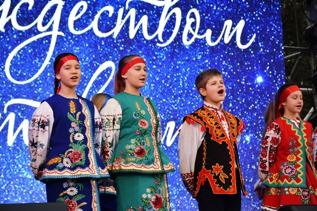 Рекордные 35 тысяч человек на Набережной: Ялта отметила Новый Год и Рождество, фото-7