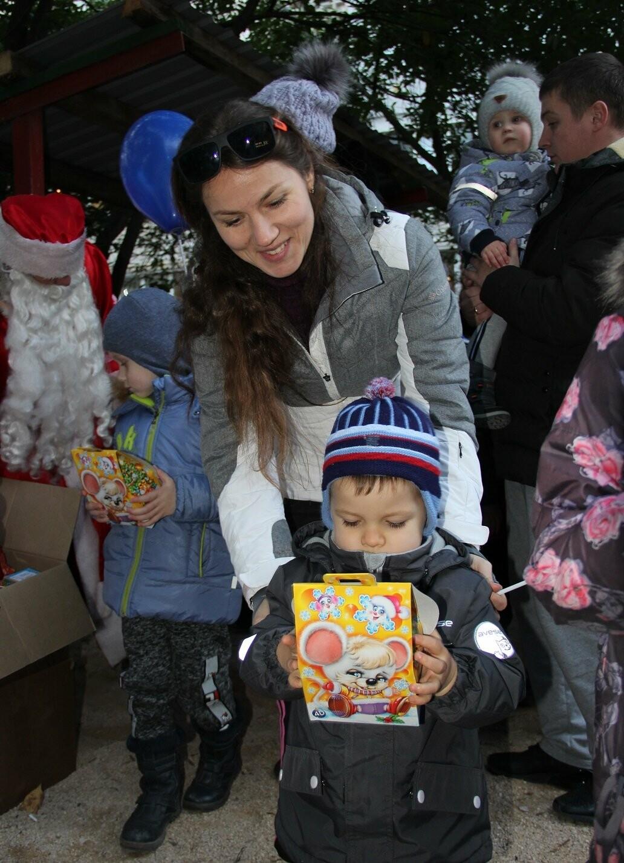 В Гаспре на Старый Новый год на новой детской площадке прошел большой праздник, фото-3