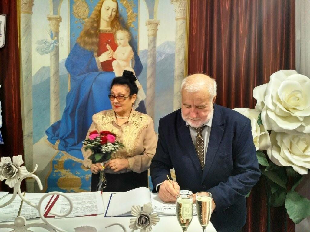 Семью Наумкиных из Ялты поздравили с 50-летним юбилеем бракосочетания, фото-1