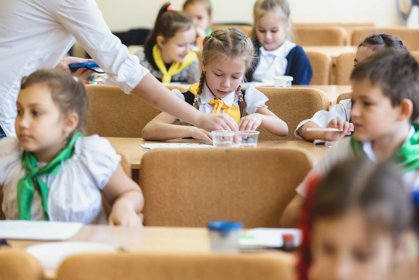 В Ялтинской школе № 1 для школьников провели художественный мастер-класс, фото-3