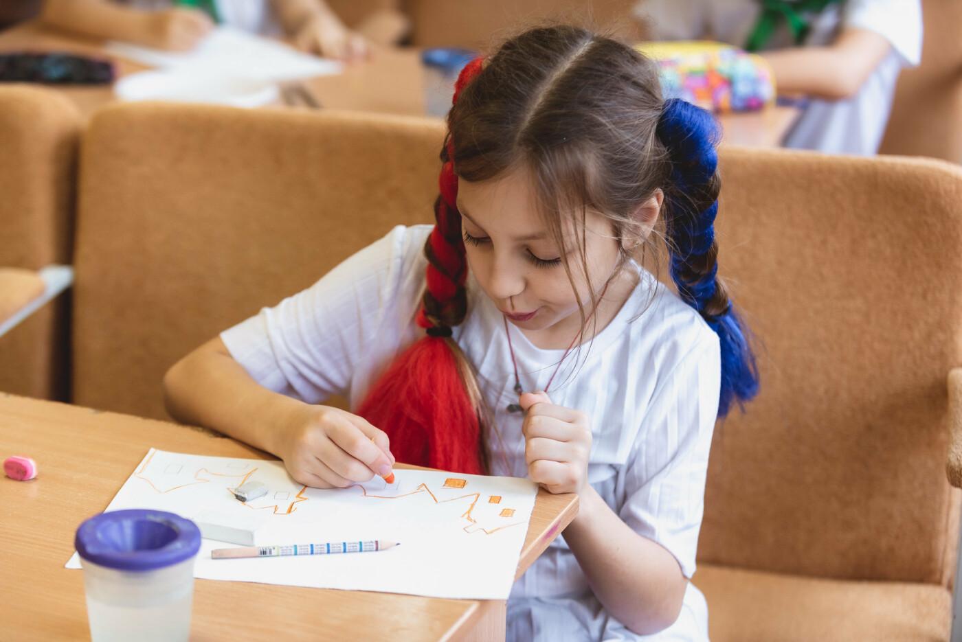 В Ялтинской школе № 1 для школьников провели художественный мастер-класс, фото-6