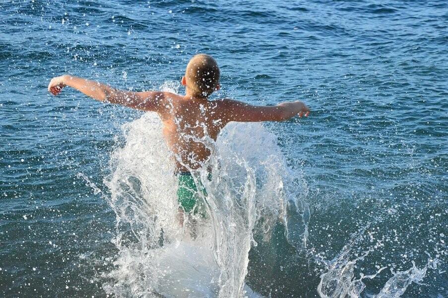 В Крещение юные дзюдоисты Ялты провели открытую тренировку и искупались в море, фото-4